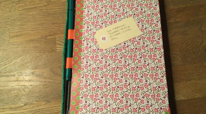 En drømme-tegnings-idefase-kladde-notesbog