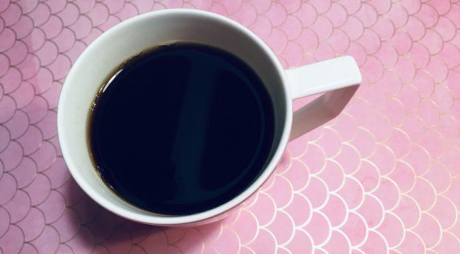Ugen i dagens første kop kaffe